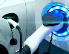 Auto elettriche in Italia, superato il metano, a dicembre sono il 6% del venduto