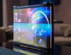 """TCL inventa la pergamena OLED con il primo schermo da 17"""" prodotto con stampa a getto"""
