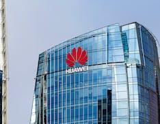 Trump ancora contro Huawei: ha revocato a Intel e altre società tecnologiche le licenze per vendere i loro prodotti
