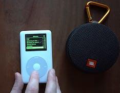 Qualcuno ha modificato un iPod del 2004 che fa suonare Spotify e gli speaker Bluetooth
