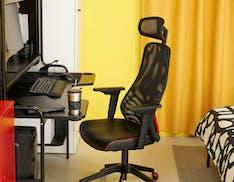 """La linea di mobili per i gamer Ikea arriva in Italia ad ottobre. Scrivanie e sedie pensate per i """"pro"""""""
