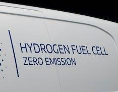 Stellantis rivoluziona il settore dei veicoli commerciali. Arrivano gli ibridi idrogeno-elettrico