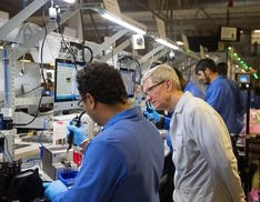 La crisi dei semiconduttori investe anche Apple: slittano i nuovi iPad e MacBook
