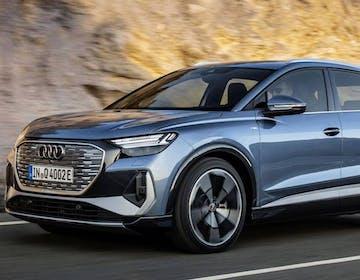 """Svelata la Audi Q4 e-tron: tre versioni per l'elettrica """"accessibile"""". C'è anche la Sportback"""