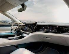 Stellantis e Foxconn, niente auto elettrica. La joint venture si occuperà di infotainment e servizi digitali