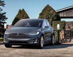 Tesla ha diminuito capacità e potenza di ricarica: in Norvegia condannata a risarcire i proprietari