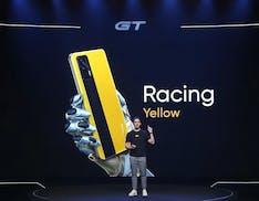 Realme GT con 5G e Snapdragon 888 arriva in Italia a 399 euro. Svelato anche un robot aspirapolvere