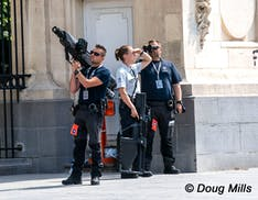 Lanciarazzi a rete e fucile disturba frequenze: l'arsenale anti-drone per proteggere Joe Biden a Bruxelles