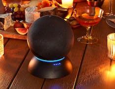 Amazon lancia la base batteria per portare in giro gli Echo di 4a generazione