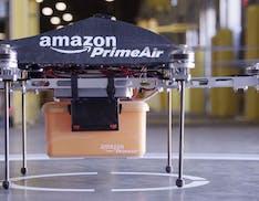 Amazon sognava di consegnare i pacchi con i droni direttamente a casa degli utenti. Anni dopo non c'è ancora riuscita