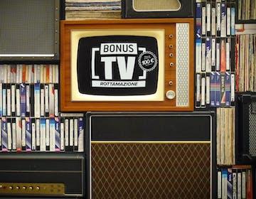 Bonus TV Rottamazione da 100 euro: operativo dal 23 di agosto, vale anche per i decoder. Tutte le risposte.