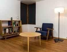 """Realizzata la """"stanza che ricarica"""". Dispositivi alimentati dall'energia veicolata da campi magnetici"""