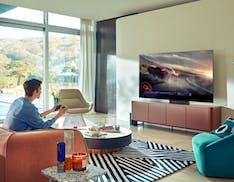 Perché è meglio giocare ai videogiochi su un TV QLED o Neo QLED Samsung