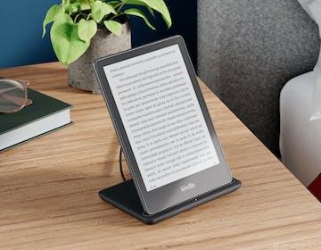 """Nuovi Kindle Paperwhite e Paperwhite Signature Edition ufficiali: 6,8"""" di schermo e ricarica wireless"""