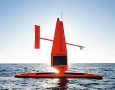 """Un drone acquatico sfida l'uragano. Il primo video mai realizzato nel """"cuore di un ciclone"""""""