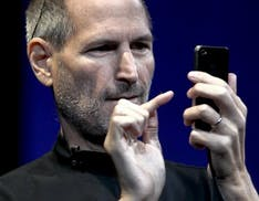 Apple ricorda Steve Jobs a 10 anni dalla scomparsa