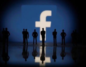 Facebook e Instagram modificheranno i loro algoritmi per tutelare gli adolescenti