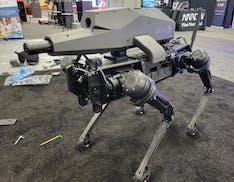 Hanno dato un fucile a un robot. Può sparare fino a 1,2 chilometri di distanza e va ovunque