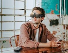 HTC Vive Flow è il visore VR per introdurre alla realtà virtuale ed è senza batteria