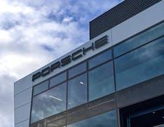 Obiettivo impatto zero: le tecnologie di Porsche per vincere la sfida della sostenibilità