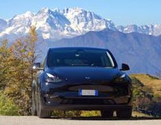A tu per tu con Tesla Model Y: il buono della Model 3 in versione Crossover