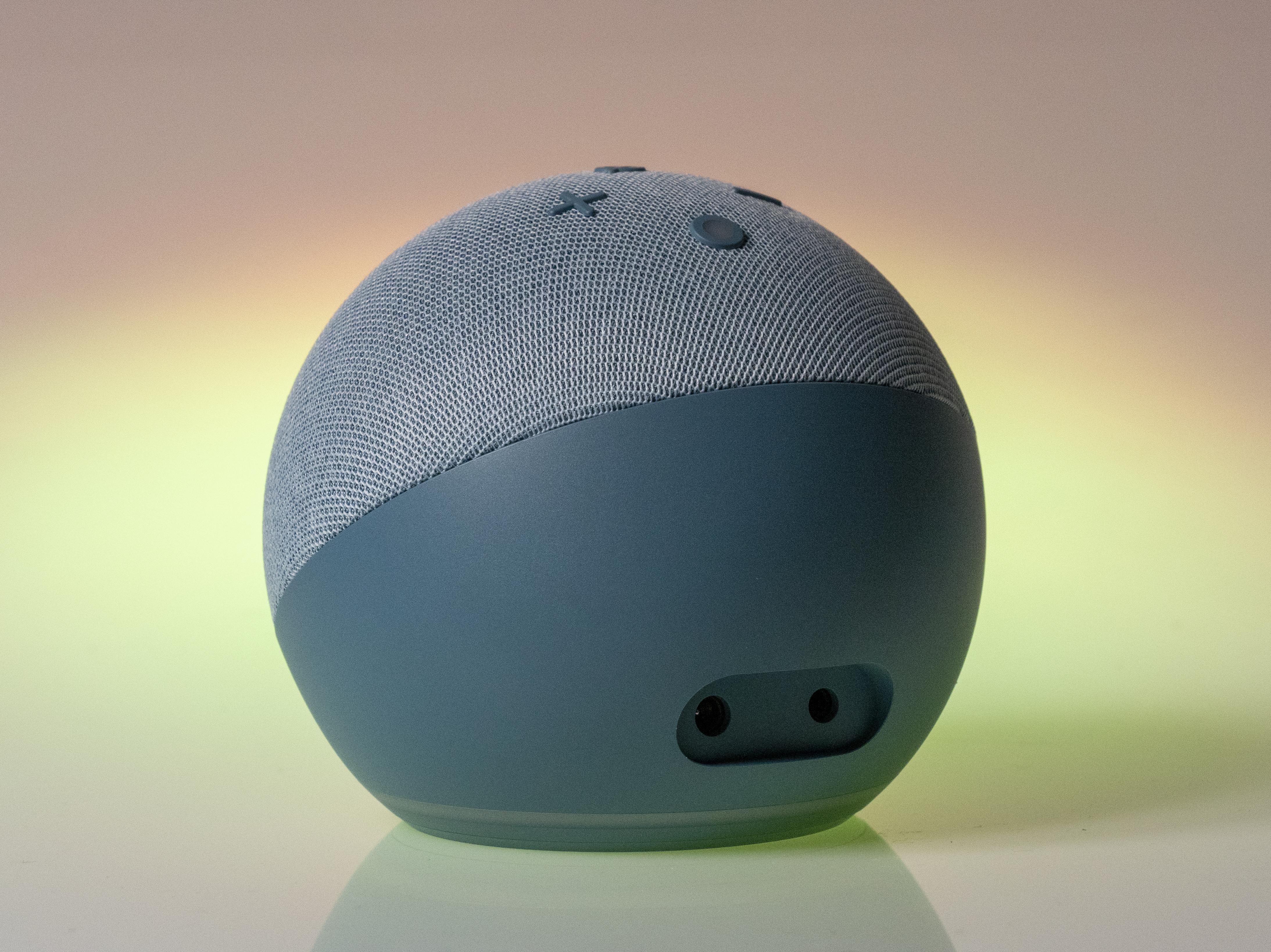 Amazon Echo Dot con orologio, recensione. Vale quello che costa