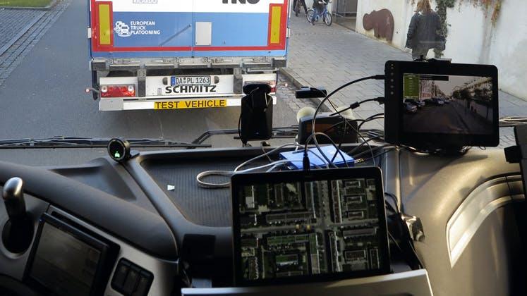 Come il wi-fi rivoluziona i trasporti. Siamo saliti sui camion del futuro percorrendo 10 km di strada intelligente