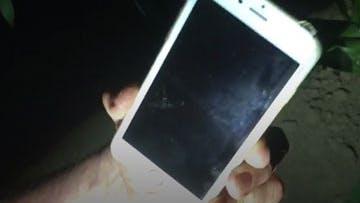 iPhone miracoloso: cade da un aereo e non si fa un graffio