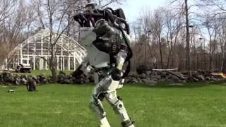 Mai visto un robot fare jogging al parco? (video)